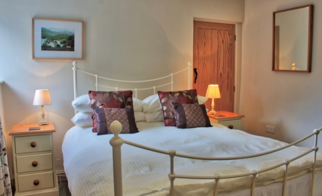 Byre holiday cottage double room