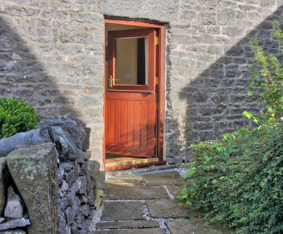 Byre holiday cottage traditional stable door