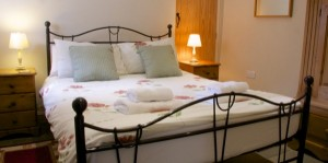 Peak District cottage - the Byre double room