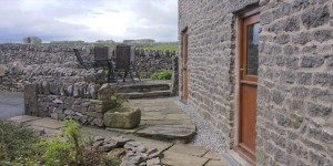 derbyshire-self-catering-byre-outside
