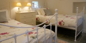 derbyshire-self-catering-byre-twin-room