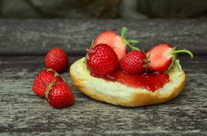 scone and strawberries