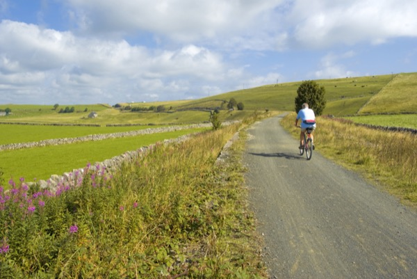 cycling along the tissington trail